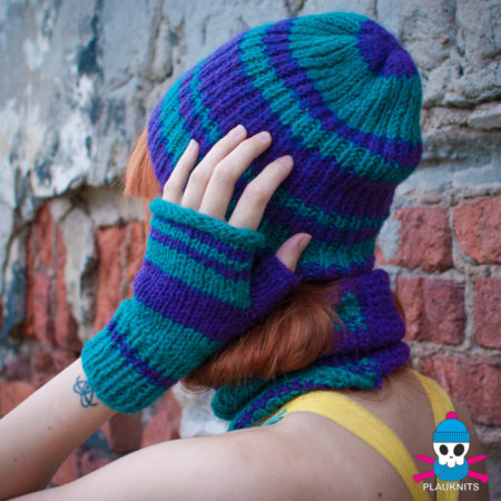 Сине-зелёный вязаный комплект шарф-снуд и шапка