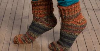 Разноцветные вязаные носки PLAUKNITS