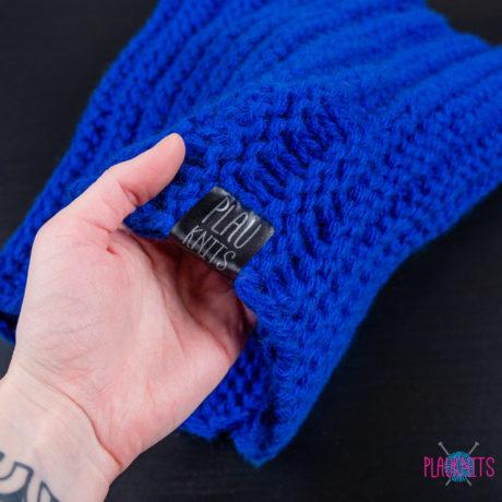 Тёмно-синий вязаный шарф-снуд ручной работы Авогадро
