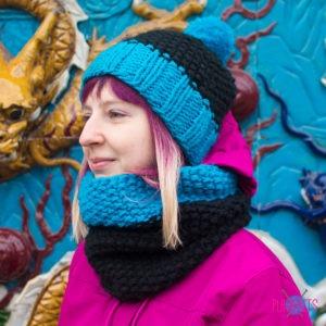 Чёрно-синий вязаный комплект шапка и шарф-снуд Катион