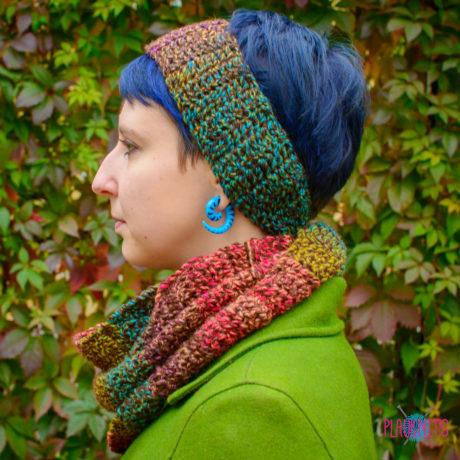Вязаный комплект шарф-снуд и повязка ручной работы  Яркие краски