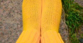 Жёлтые вязаные носки ручной работы Полимер