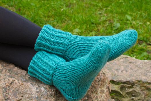 Бирюзовые вязаные носки ручной работы Полимер