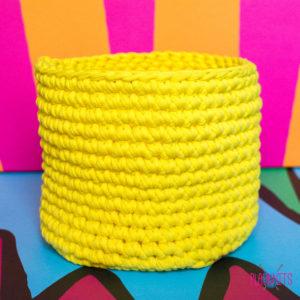 Жёлтая трикотажная корзинка для мелочей