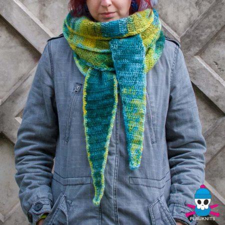 Вязаный шарф бактус ручной работы