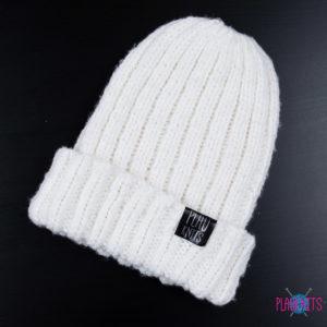 Белая вязаная шапка ручной работы с подворотом Симпл