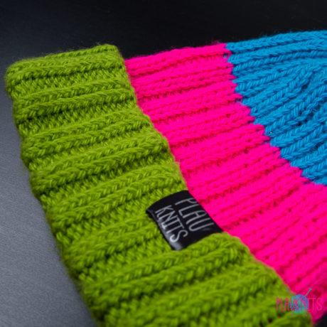 Цветная вязаная шапка с подворотом ручной работы Симпл
