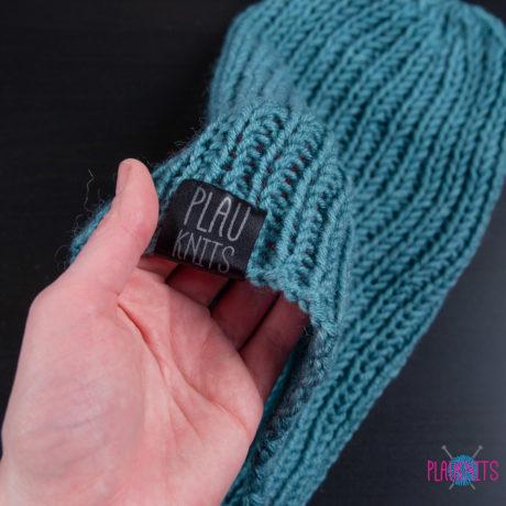 Бирюзовая вязаная шапка ручной работы Симпл