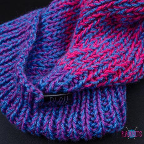 Сиренево-розовая шапка с подворотом ручной работы Симпл