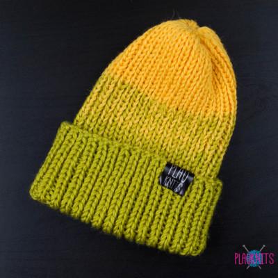 Салатово-жёлтая вязаная шапка с подворотом Симпл