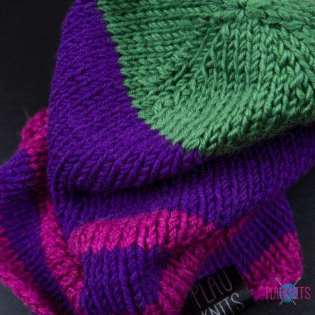 Фиолетово-розовая вязаная шапка ручной работы Майнд