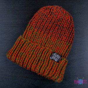 Бордово-болотная вязаная шапка ручной работы с подворотом Симпл