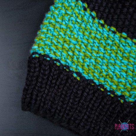 Чёрно-бирюзовая вязаная шапка мешок для дредов