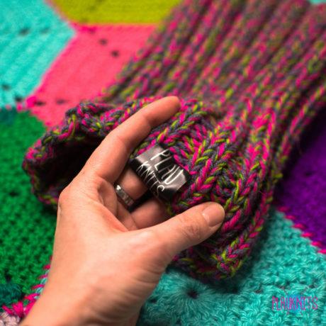 Серо-малиновая вязаная повязка для дред Энтальпия
