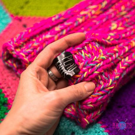 Розово-цветастая толстая вязаная повязка для дред