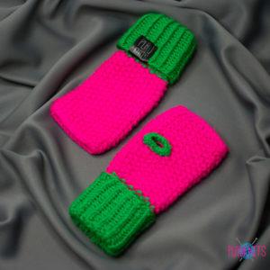 Розово-зелёные вязаные митенки ручной работы Ягодка