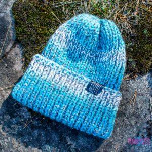 Сине-голубая шапка с подворотом ручной работы Симпл
