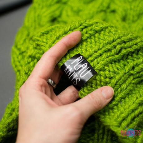Тёплый зелёно-фиолетовый вязаный комплект шапка и снуд