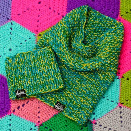 Зелёно-жёлтый вязаный снуд ручной работы Моллекула